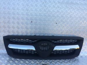 toyota hilux front grill
